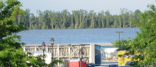 Ohio River at Paducah Floodwalls